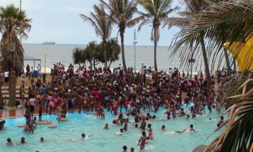 Zdjecie RPA / Durban / plaża miejska / a teraz hop! do wody