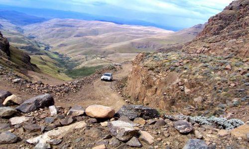 Zdjecie RPA / Drakensberg / granica pomiędzy RPA i Lesotho / mozolna droga ku przełęczy Sani