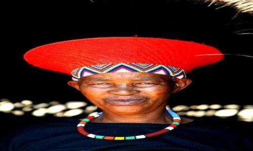 Zdjecie RPA / Zululand / wioska Zuluska / Kobieta
