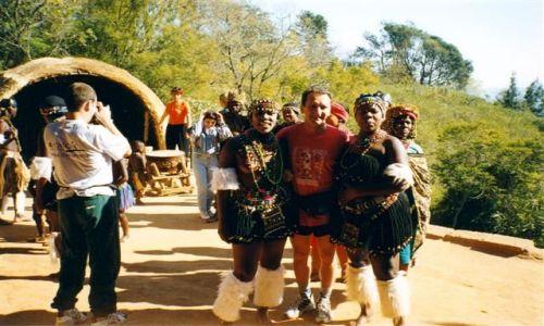Zdjecie RPA / Kwa Zulu Natal / wioska Zulusów / ogniste tańce z Zulusami