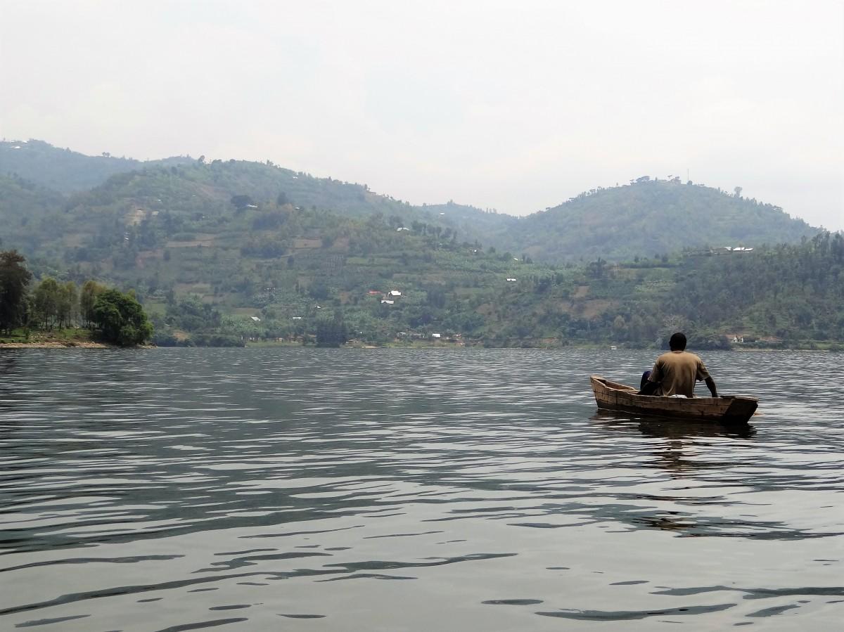 Zdjęcia: j.w., Jezioro Kivu, Samotny rybak, RUANDA