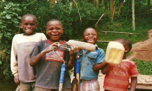 Zdjecie RUANDA / Jezioro Kivu / Kibuye / Dzieciaki
