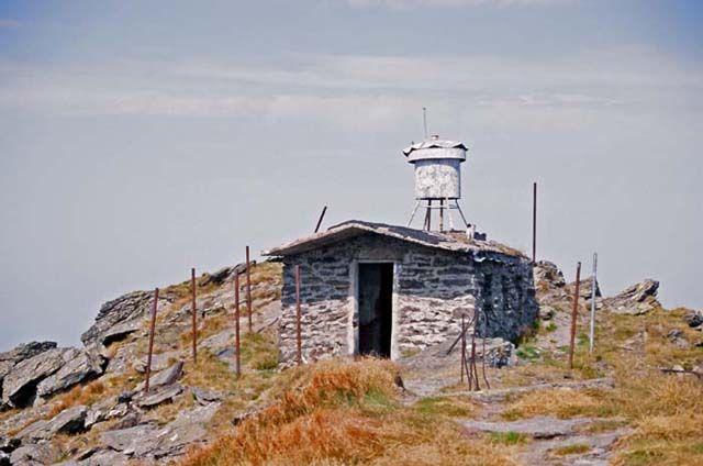 Zdjęcia: VF. Pietrosu, Góry Rodniańskie, Schron na VF. Pietrosu (2303m.n.p.m.), RUMUNIA
