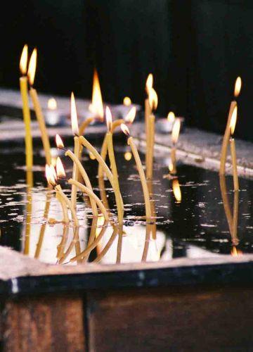 Zdjęcia: Suczawa, Bukowina, Świece przy Cerkwi Zmartwychwstania Pańskiego, RUMUNIA