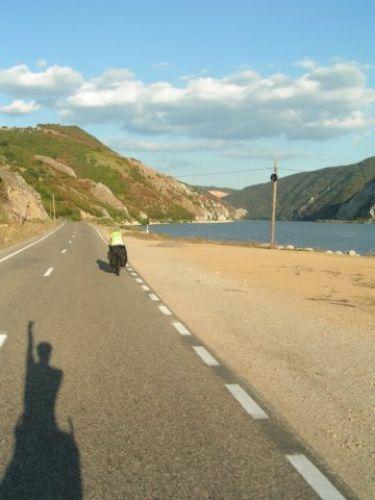 Zdjęcia: Moldova Neu, Munteania, W drodze, RUMUNIA