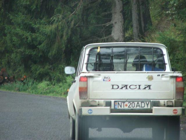 Zdjęcia: gdzieś w bukowinie, Rumuński samochód wszechczasów, RUMUNIA