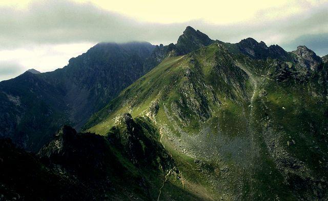 Zdjęcia: Góry Fogaraskie, okolice Żlebu Draculi, Transylwania, Karpaty Południowe, Ze zgrozą za pan brat, RUMUNIA