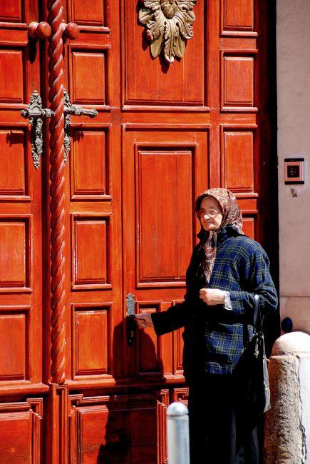 Zdjęcia: Sibiu (Sybin) , Transylwania, stoję u wrót i kołaczę, RUMUNIA