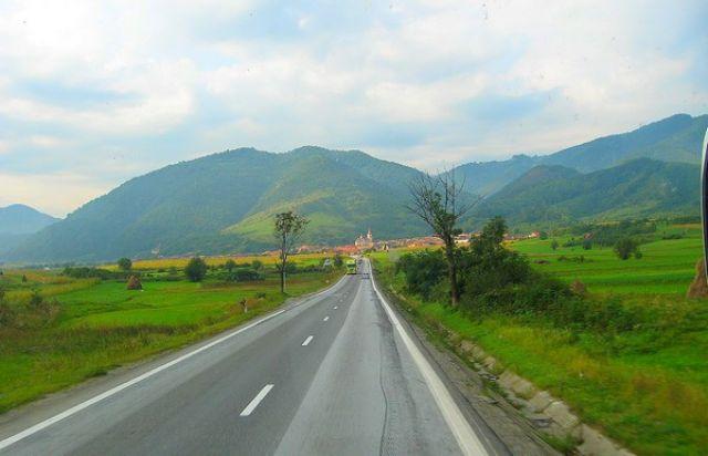 Zdjęcia:  pomiędzy Sibiu a Brasov, Transylwania, rumuńskie krajobrazy, RUMUNIA