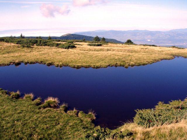 Zdjęcia: Góry Apuseni - pamo Bihor, Bihor, Jezioro w pobliżu szczytu Cucurbata Mare, RUMUNIA
