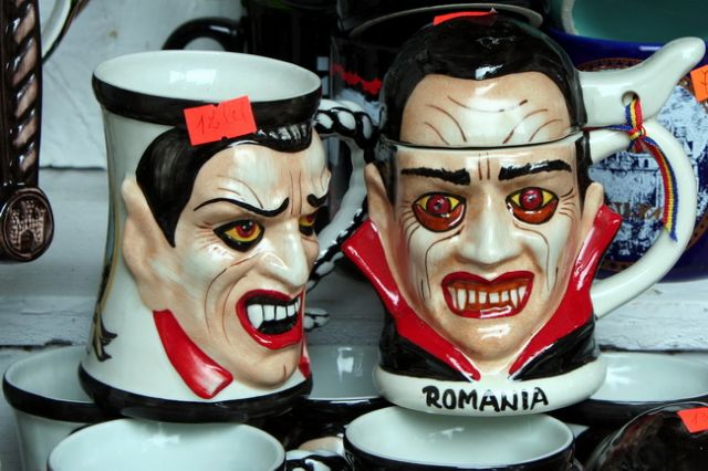 Zdjęcia: Bran, Transylwania, Kubeczki z Drakulą, RUMUNIA