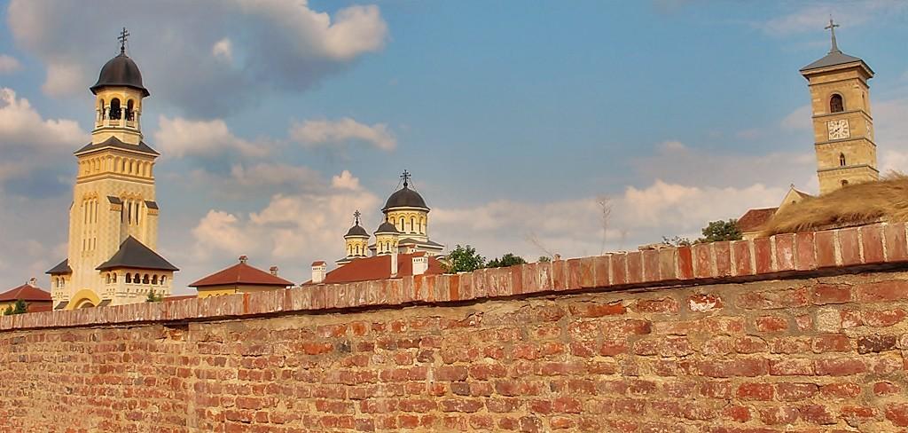 """Zdjęcia: Alba Iulia, Siedmiogród, Za murami... bez """"wachlarza drzewa"""":), RUMUNIA"""