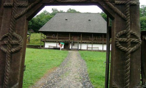 Zdjęcie RUMUNIA / -Transylwania / Dumbrava pod Sibiu / Klimaty z filmu Polańskiego