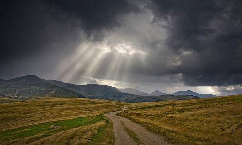 RUMUNIA / Maramuresz / Góry Rodniańskie / Burza w Górach Rodniańskich