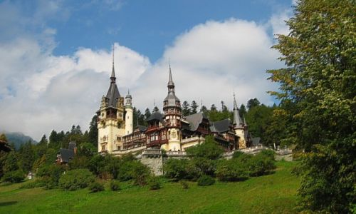Zdjęcie RUMUNIA / Transylwania / Sinaia / zamek Peles - inne spojrzenie