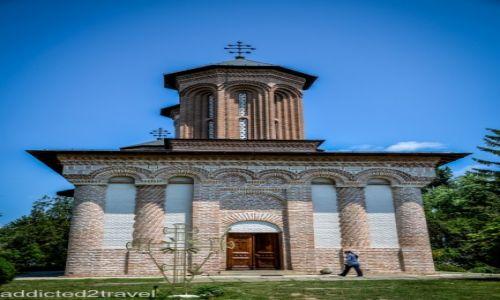 RUMUNIA / Transylwania / Snagov / Monastyr Snagov - grób Drakuli