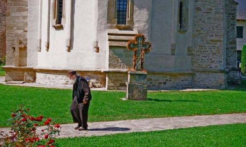 Zdjecie RUMUNIA / Bukowina / Putna / w klasztorze w