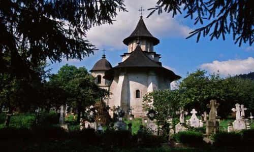 RUMUNIA / Bukowina / Sucevita / Przyklasztorny cmentarz w Sucevitcie