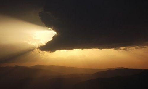 Zdjęcie RUMUNIA / Karpaty Południowe / Góry Vulcan / Potwór