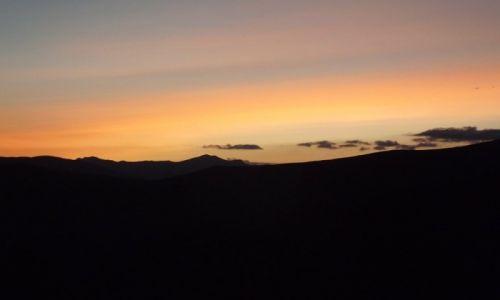 Zdjęcie RUMUNIA / Karpaty Południowe / Góry Vulcan / Zachód Słońca