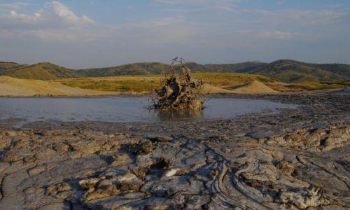 Zdjęcie RUMUNIA / Buzau / Vulcanii Noroiosi / Wulkan pełen...zimnego błota