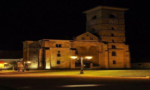 Zdjęcie RUMUNIA / Okręg Alba / Alba Iulia / Stary kościółek