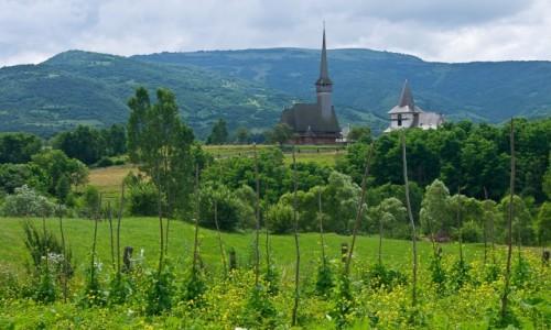 RUMUNIA / Maramuresz / wioska Ieud / Cerkiew na wzgórzu