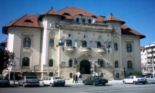Zdjęcie RUMUNIA / Karpaty Południowe / Campulung / Urząd Miasta