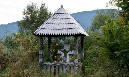 RUMUNIA / Maramuresz / okolice Budesti / kapliczka