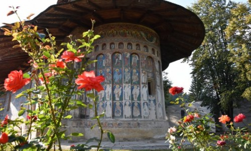 Zdj�cie RUMUNIA / Bukowina  / Monastyr Voronet / Cerkiew w monastyrze Voronet