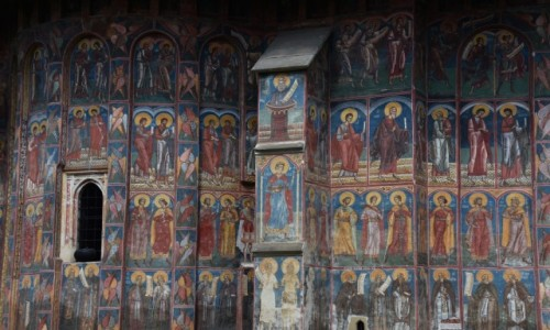 Zdj�cie RUMUNIA / Bukowina  / Monastyr Mo�dovita / Malowid�a na zewn�trz cerkwi