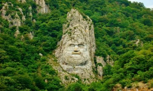 RUMUNIA / Mehedinti / Rumunia,Orsova,Dunaj / Przełom Dunaju-wykuta w skale płaskorzeźba Decebala,władcy Daków