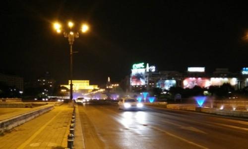 Zdjecie RUMUNIA / - / Bukareszt / Noc w Bukareszcie