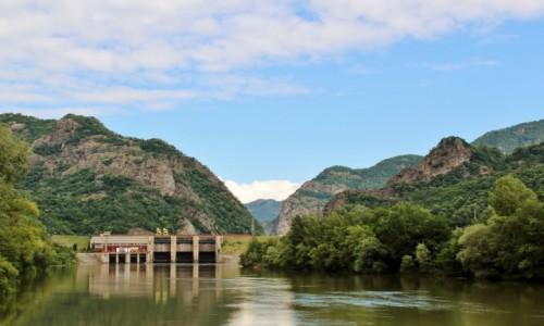 RUMUNIA / Wołoszczyzna / Park Narodowy Cozia / Rzeka Aluta