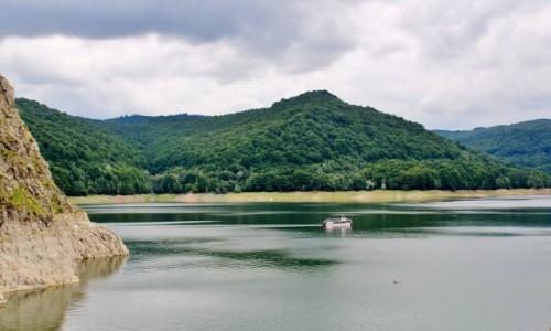 RUMUNIA / Wołoszczyzna / Góry Fogaraskie / Jezioro Vidraru