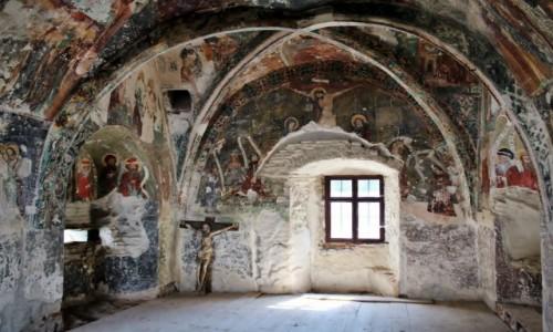 RUMUNIA / Siedmiogród / Harman / Kościół warowny z XIII wieku-kaplica