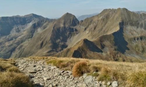 RUMUNIA / Karpaty Rumuńskie  / gdzieś na szlaku / góry...przestrzeń i cisza...