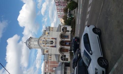 RUMUNIA / Navodare / Centrum / Kościół w Navodare