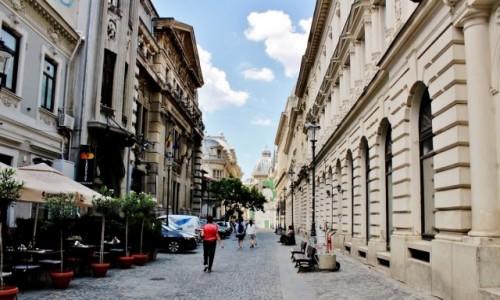 Zdjęcie RUMUNIA / Wołoszczyzna / Bukareszt / Uliczka Bukaresztu