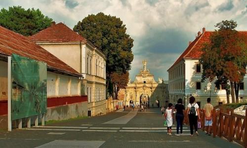 Zdjęcie RUMUNIA / Siedmiogród / Alba Iulia / Via Principalis