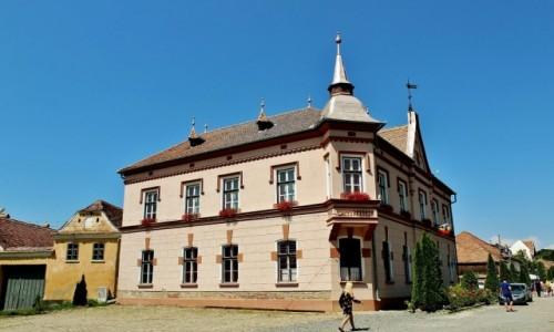 Zdjecie RUMUNIA / Siedmiogród / Saschiz / Ratusz w Saschiz