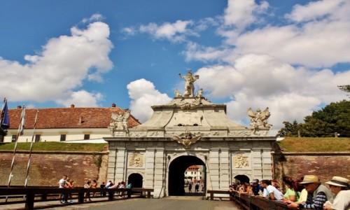 RUMUNIA / Siedmiogród / Alba Iulia / Brama wschodnia twierdzy Alba Carolina
