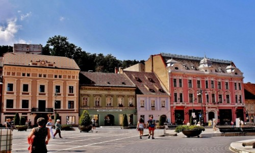 Zdjecie RUMUNIA / Siedmiogród / Braszów / Kolorowe kamieniczki