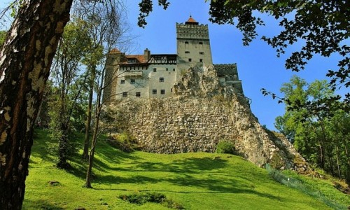 RUMUNIA / Siedmiogród / Bran / Zamek z legendą w tle