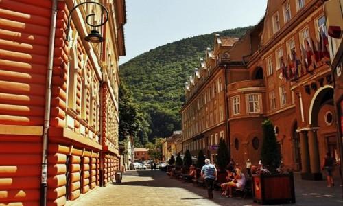 Zdjecie RUMUNIA / Siedmiogród / Braszów / Nie przyszła góra...przyszło miasto do góry