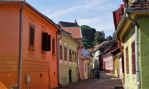 Zdjecie RUMUNIA / Siedmiogród / Uliczka starego miasta / Rumuńskie miasteczka: Sighisoara