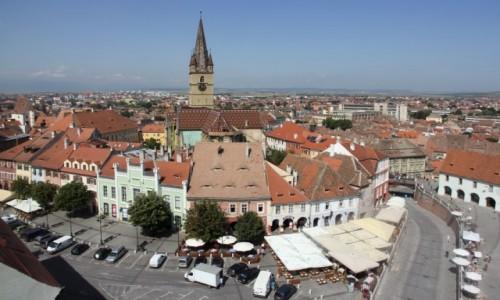 Zdjecie RUMUNIA / Siedmiogród / Sibiu / Widok na stare miasto w Sybinie