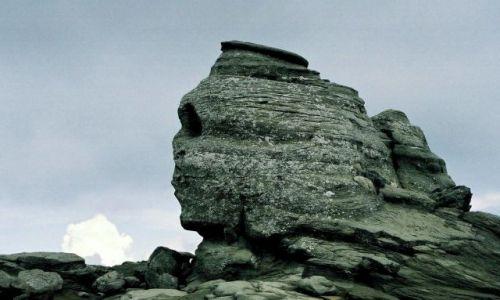 Zdjecie RUMUNIA / góry Bucegi / skała Sfinxul koło Cabana Babele / Sfinks