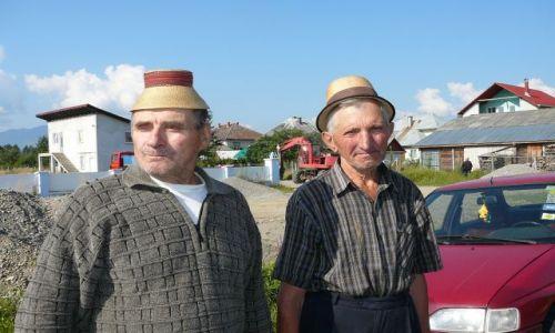Zdjecie RUMUNIA / Maramuresz / targ / kapelusiki1