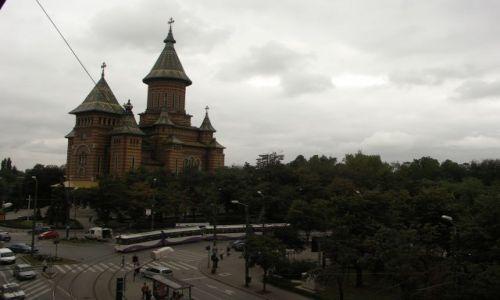 Zdjęcie RUMUNIA / Banat / Timisoara / widok z okna na prawosławną katedrę w Timisoarze